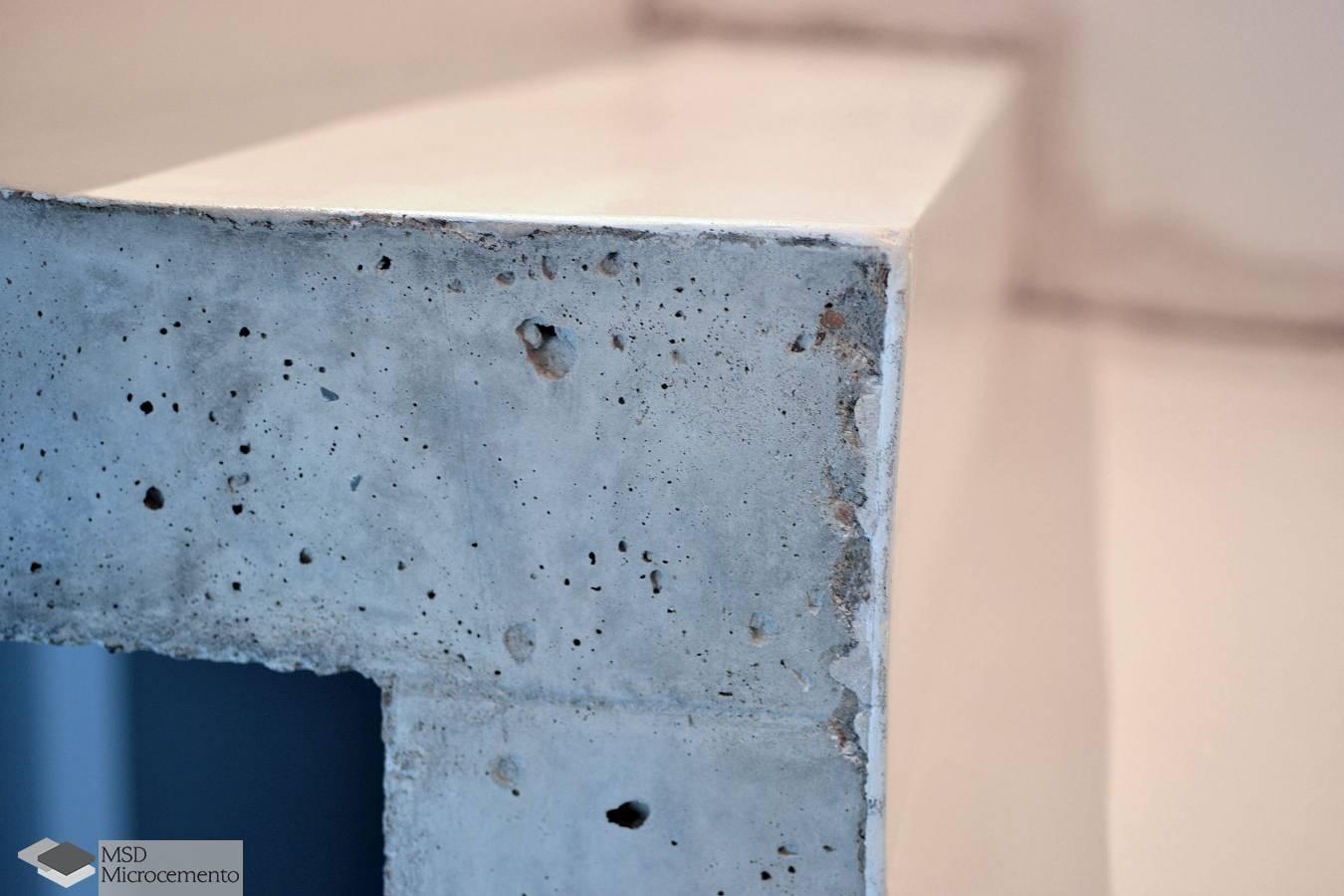 Baño Microcemento Blanco:Detalle escalon microcemento blanco